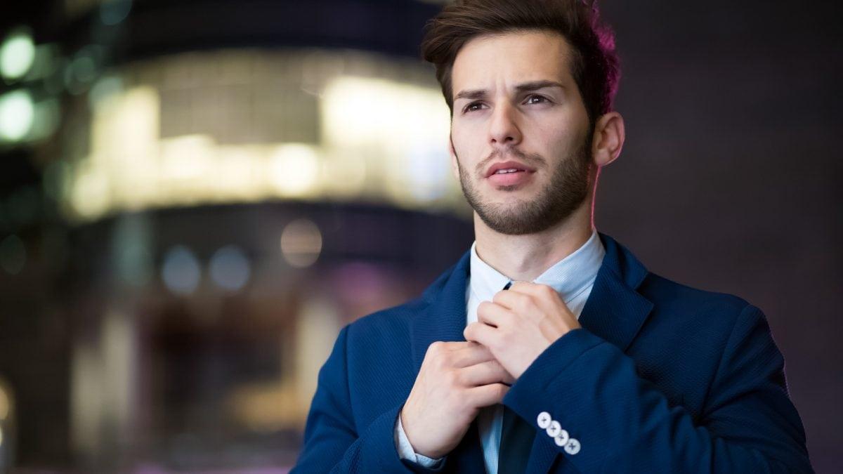 man wearing blue suit 2897883