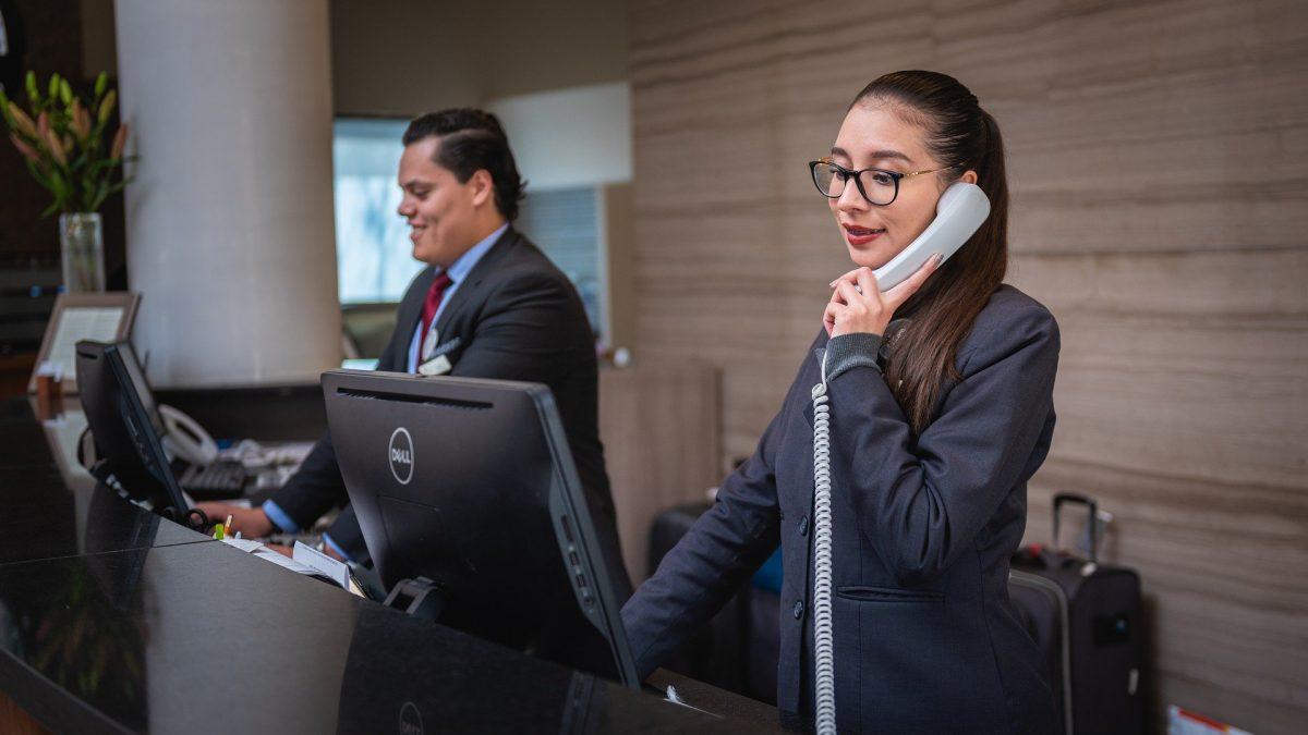receptionists 5975962 1920