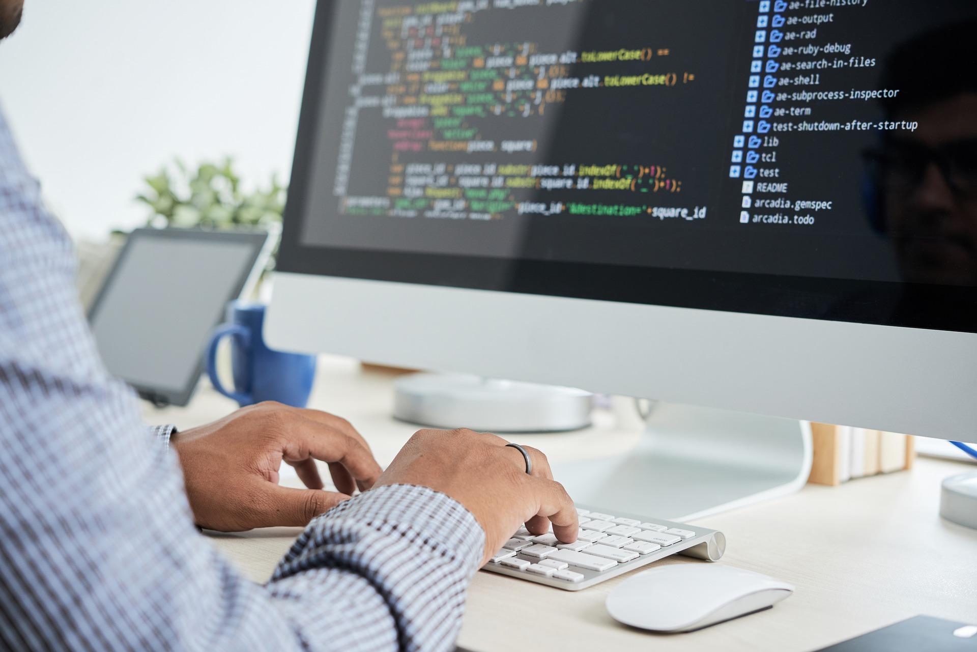 software development 6523979 1920